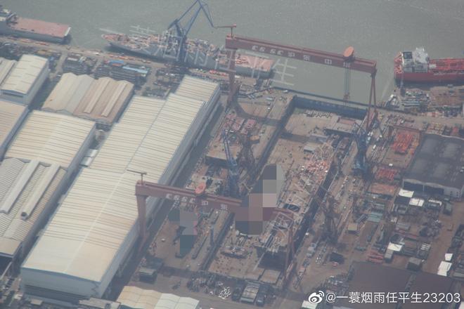 Tàu đổ bộ Type 075 thứ hai của Trung Quốc đã khởi đóng, tốc độ nhanh hơn tàu sân bay - Ảnh 2.